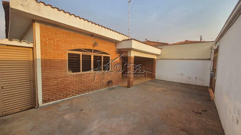 Casa em Cravinhos, no bairro Vila Cláudia