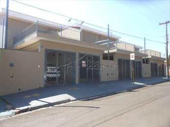 Casa, código 99 em Cravinhos, bairro Centro