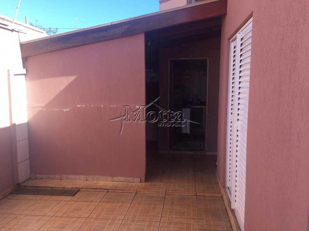 Casa em Cravinhos, no bairro Jardim Santa Cruz