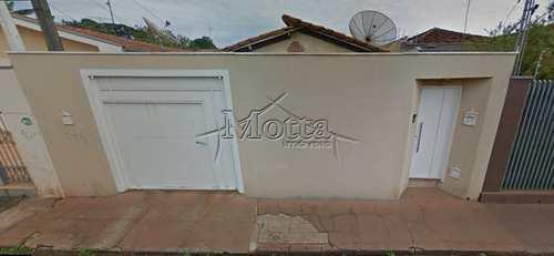 Casa, código 819 em Cravinhos, bairro Centro