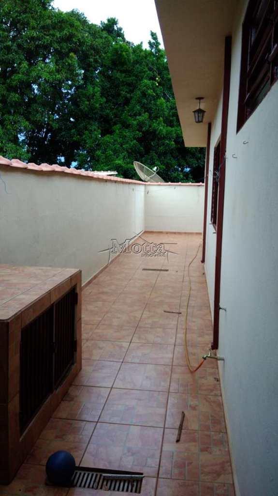 Casa em Cravinhos, bairro Parque São José