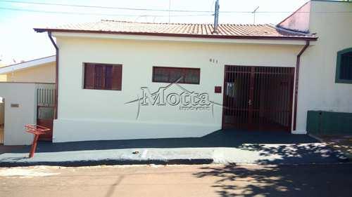Casa, código 890 em Cravinhos, bairro Centro