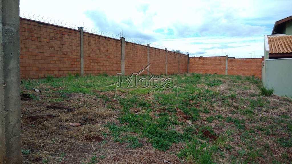 Terreno em Cravinhos, bairro Acacias Village