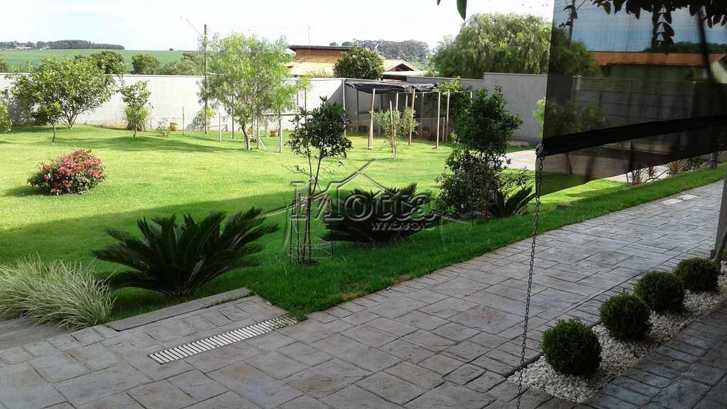 Casa em Cravinhos, no bairro Ana Carolina