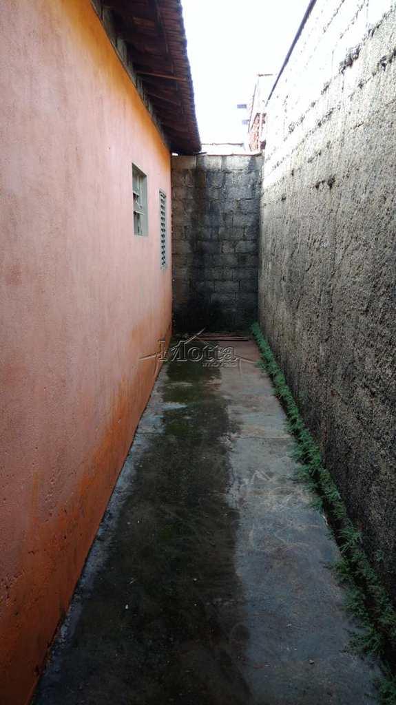 Casa em Cravinhos, bairro Francisco Castilho