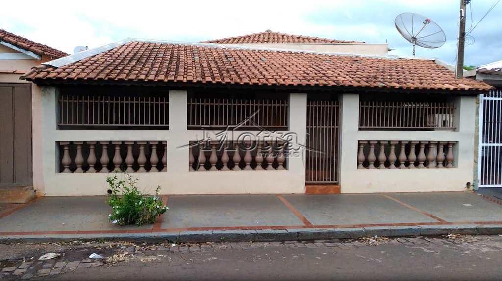 Casa em Cravinhos, no bairro Bela Vista