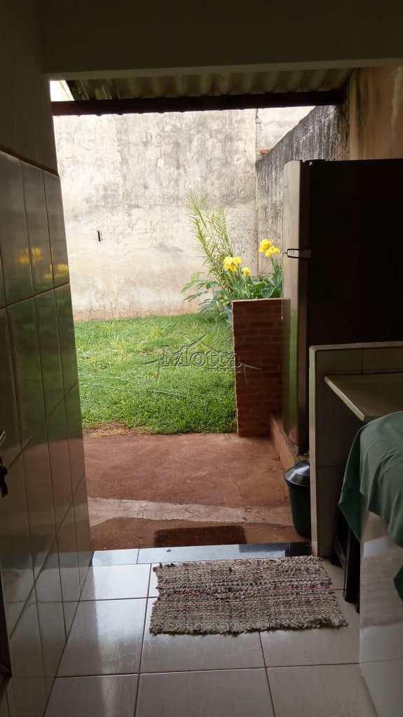 Casa em Cravinhos, no bairro Santa Cruz