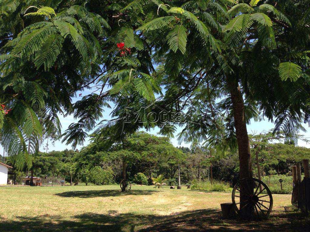 Sítio em Cássia dos Coqueiros, no bairro Delicia