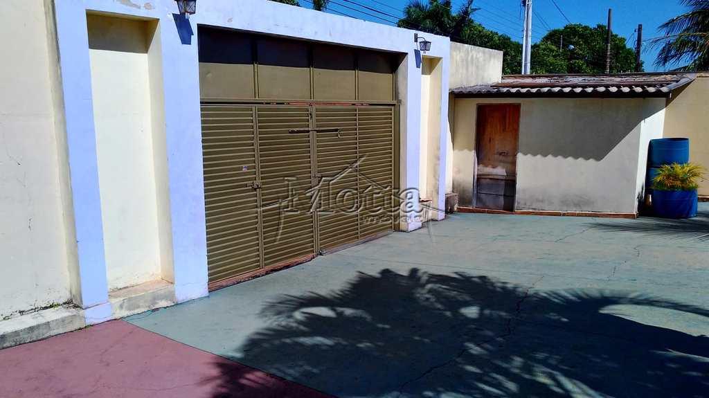 Casa em Cravinhos, no bairro Jardim das Acácias