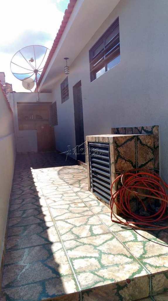 Casa em Cravinhos, no bairro Santa Cecilia