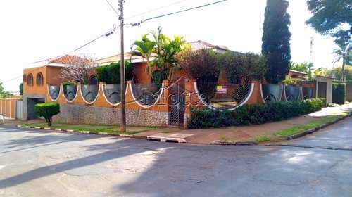 Casa, código 1006 em Cravinhos, bairro Centro