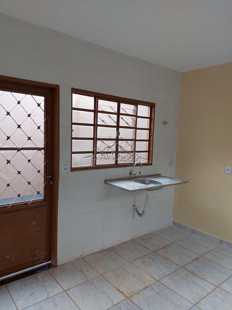Casa em Cravinhos, no bairro Jardim Santana