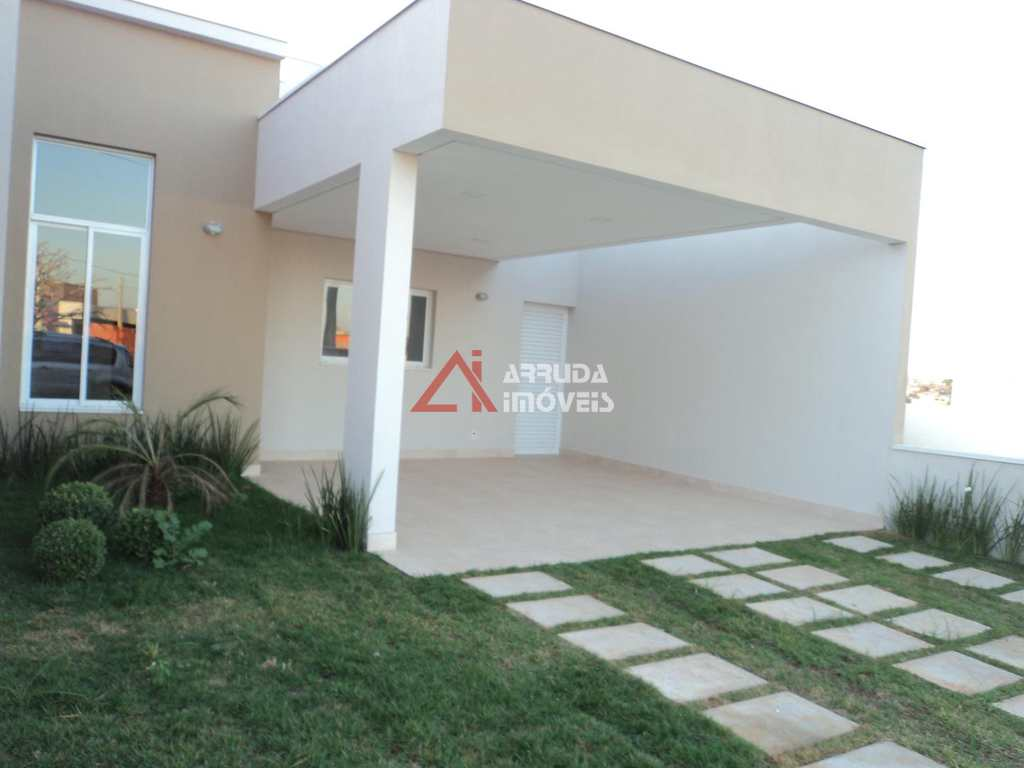 Casa de Condomínio em Salto, bairro Condomínio Village Montonée