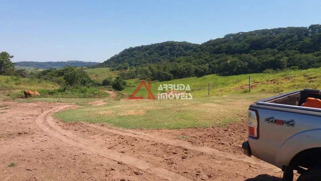 Fazenda em Marília, no bairro Área Rural de Marília