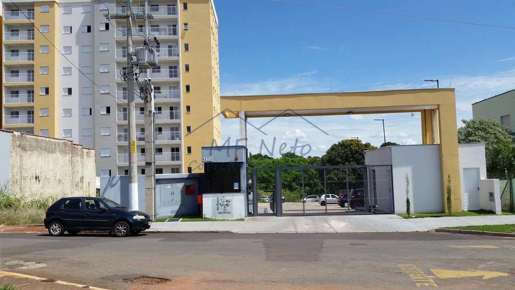 condomínio em Pirassununga, bairro Vila Paulista