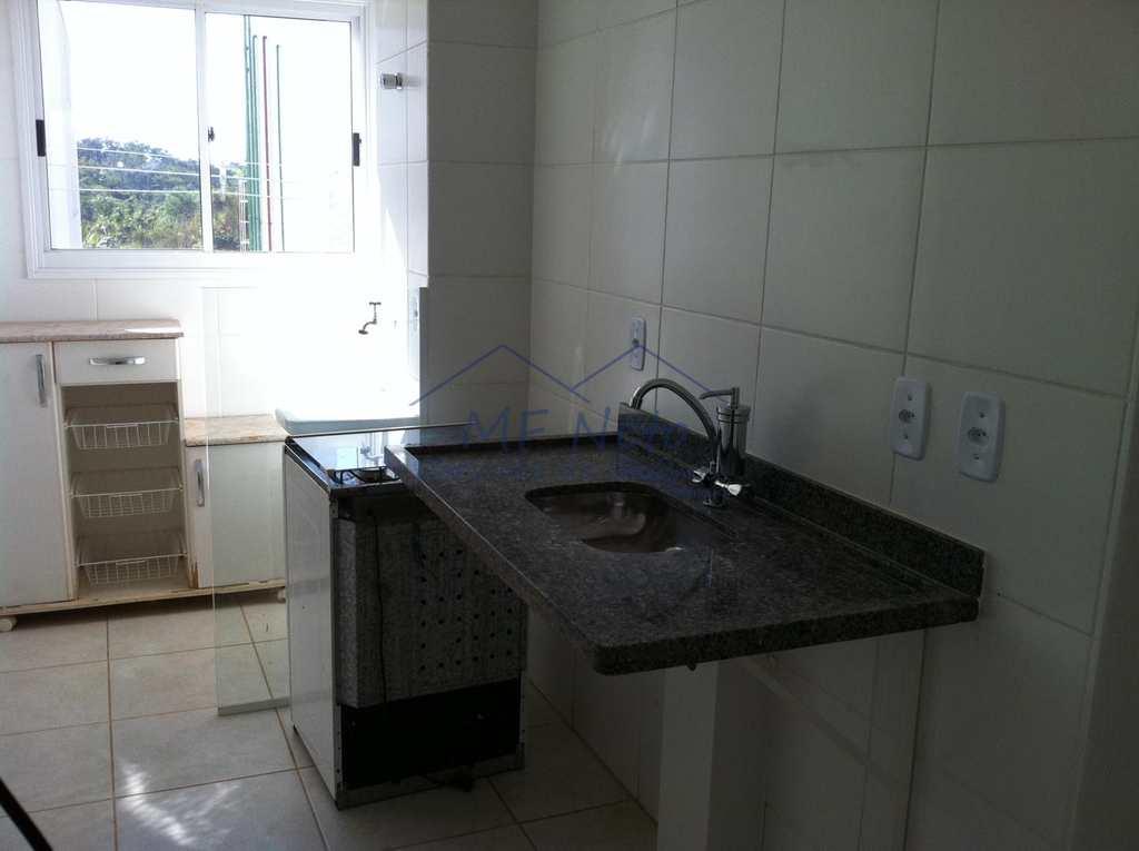 Condomínio em Pirassununga, no bairro Vila Pinheiro