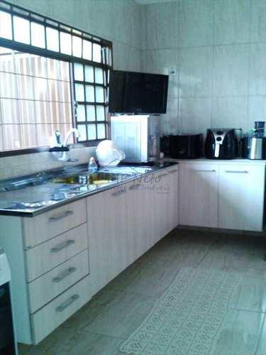 Casa, código 10120700 em Pirassununga, bairro Vila São Guido