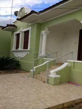 Casa, código 10125600 em Pirassununga, bairro Centro