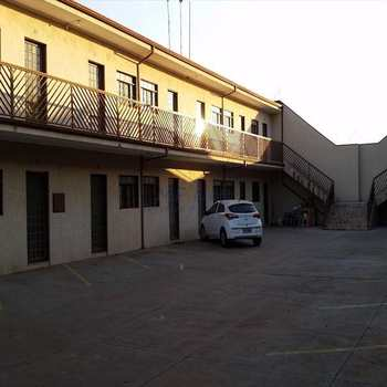 Kitnet em Pirassununga, bairro Jardim Eldorado