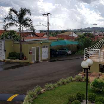Apartamento em Pirassununga, bairro Vila Guimarães