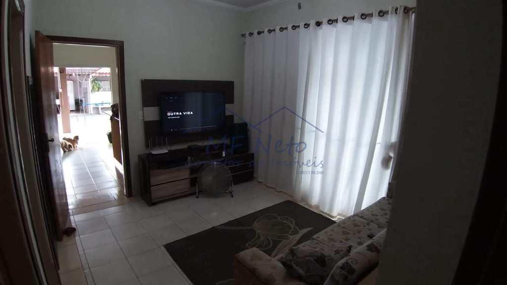 Casa em Pirassununga, no bairro Vila Pinheiro