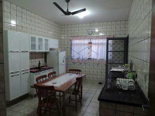 Casa, código 87900 em Pirassununga, bairro Jardim Ferrarezzi