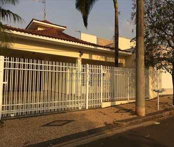 Casa, código 84200 em Pirassununga, bairro Vila Pinheiro