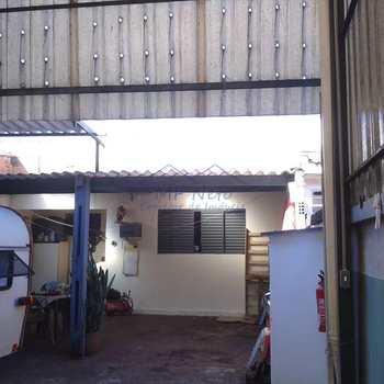 Galpão em Pirassununga, bairro Jardim Morumbi