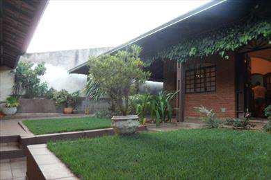 Casa, código 63200 em Pirassununga, bairro Vila São Guido