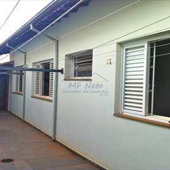 Casa em Pirassununga, bairro Jardim São Fernando