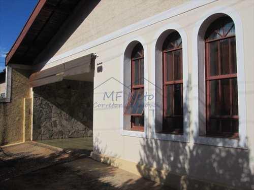 Casa, código 16000 em Pirassununga, bairro Vila Paulista