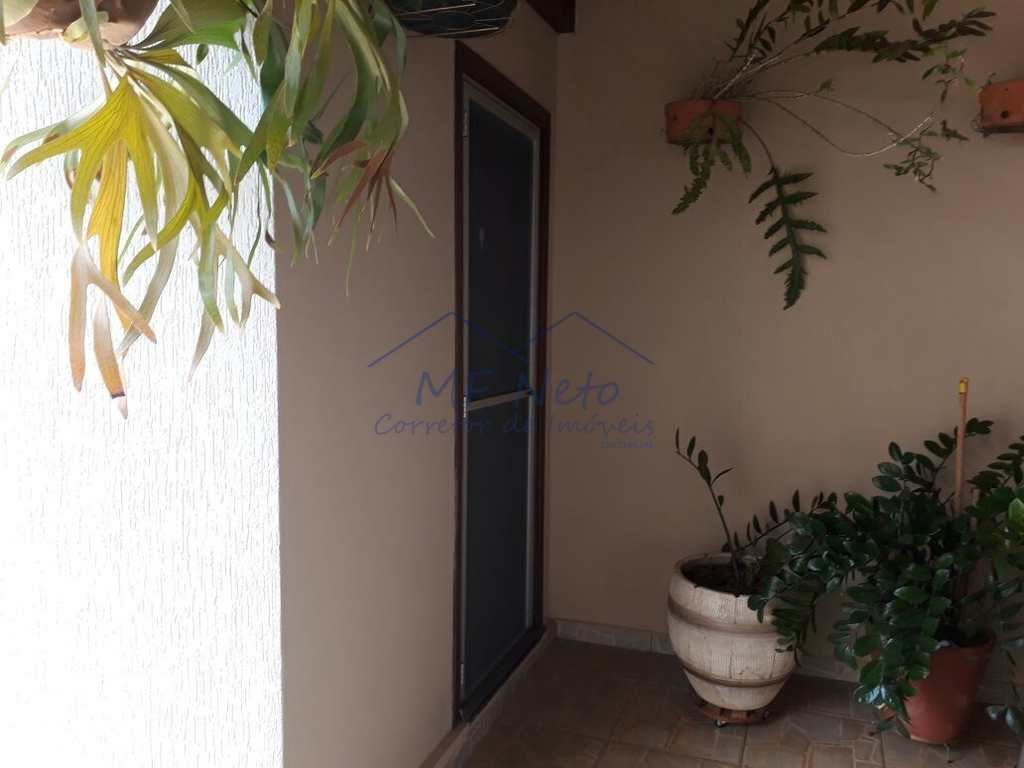 Casa em Pirassununga, no bairro Jardim Itália