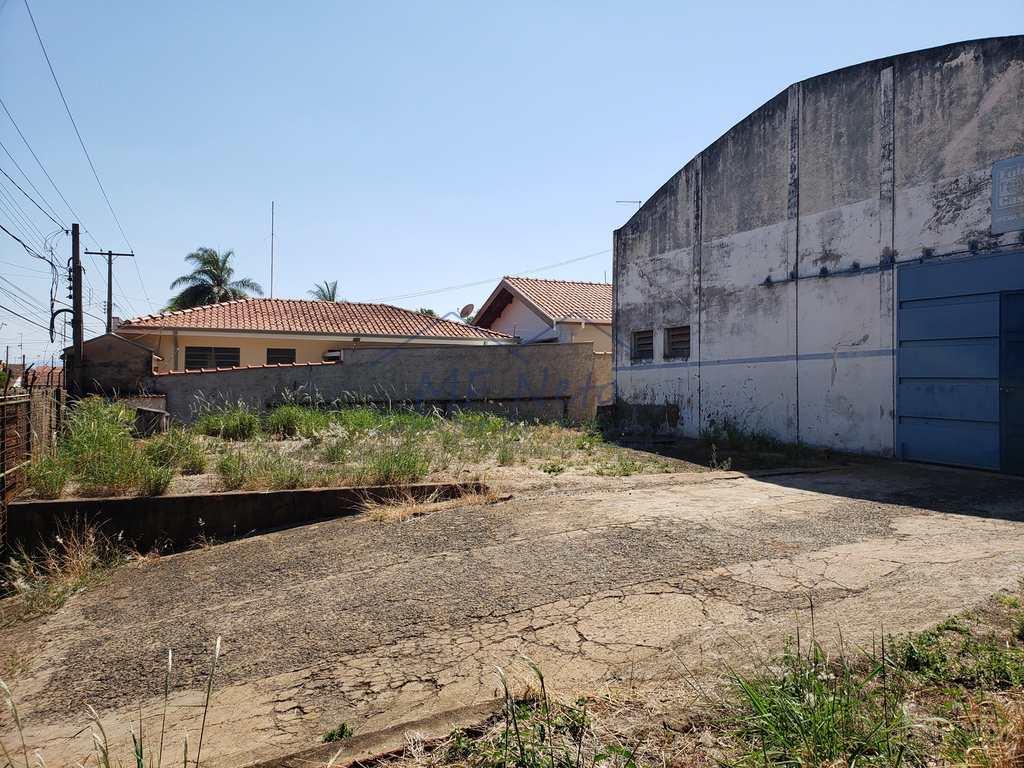 Armazém Ou Barracão em Pirassununga, no bairro Vila Santa Terezinha