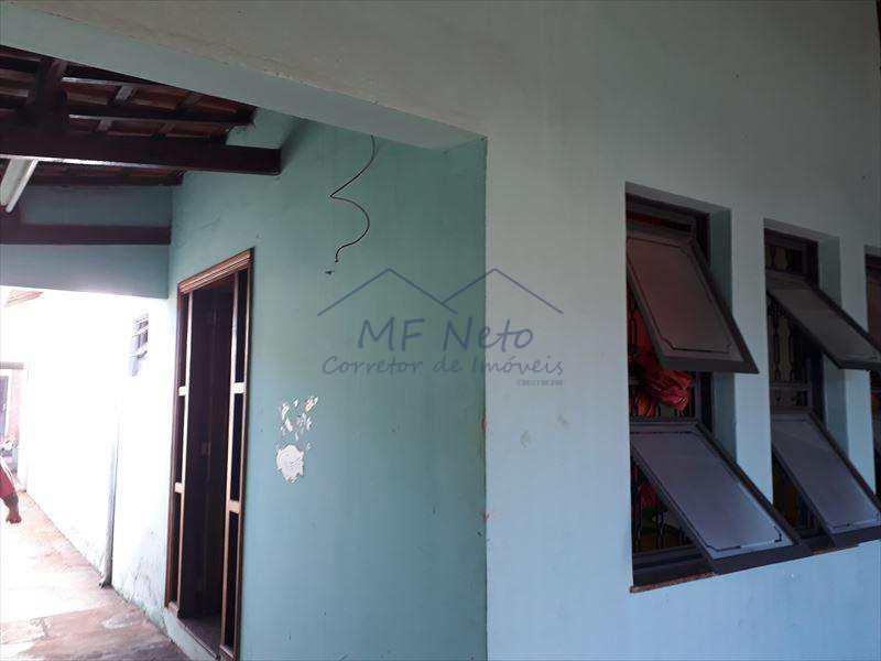 Casa em Pirassununga, no bairro Vila Brasil
