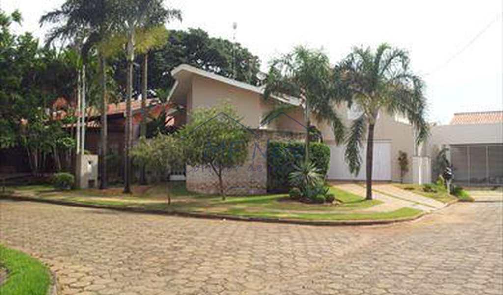 Sobrado em Pirassununga, bairro Alto da Cidade Jardim