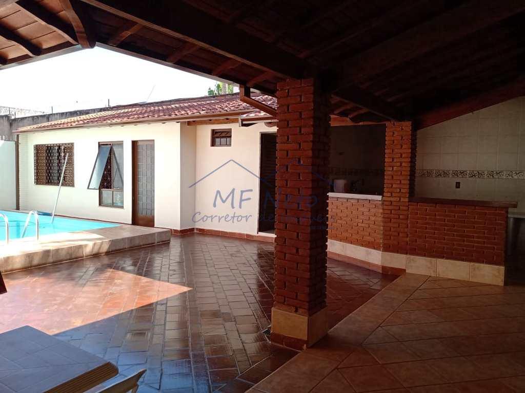 Casa em Pirassununga, no bairro Cidade Jardim