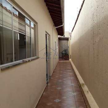 Casa em Pirassununga, bairro Jardim Terras de San José