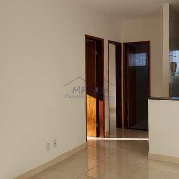 Apartamento em Pirassununga, bairro Victória Régia