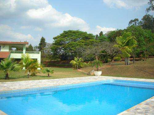 Chácara em Pirassununga, no bairro Recanto dos Colibris