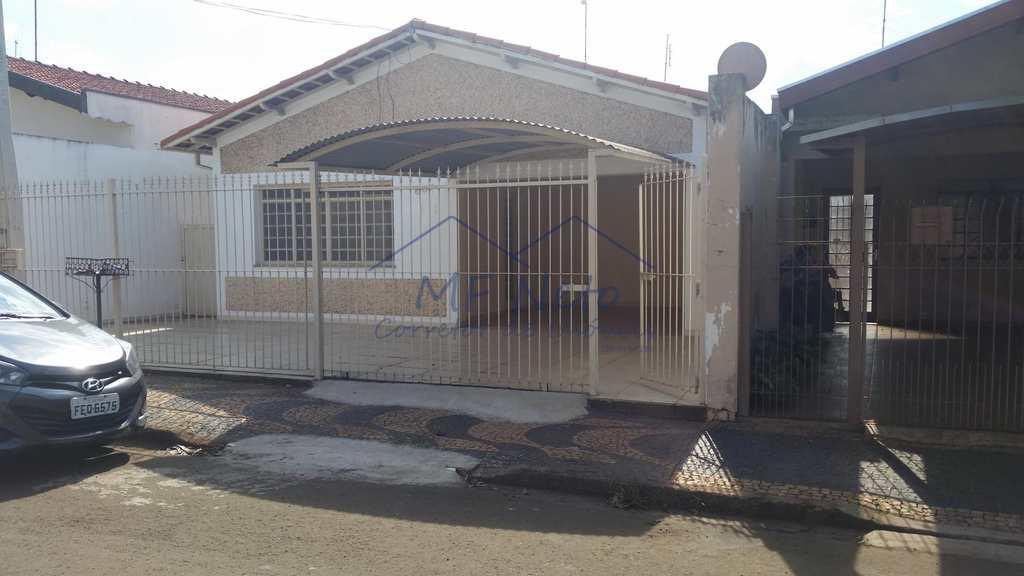 Casa em Pirassununga, no bairro Vila Santa Terezinha
