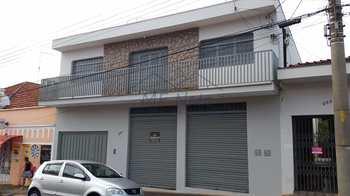 Sobrado Comercial, código 10131471 em Pirassununga, bairro Centro