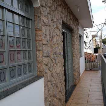 Sobrado Comercial em Pirassununga, bairro Centro