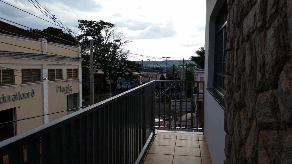 Sobrado Comercial em Pirassununga, no bairro Centro