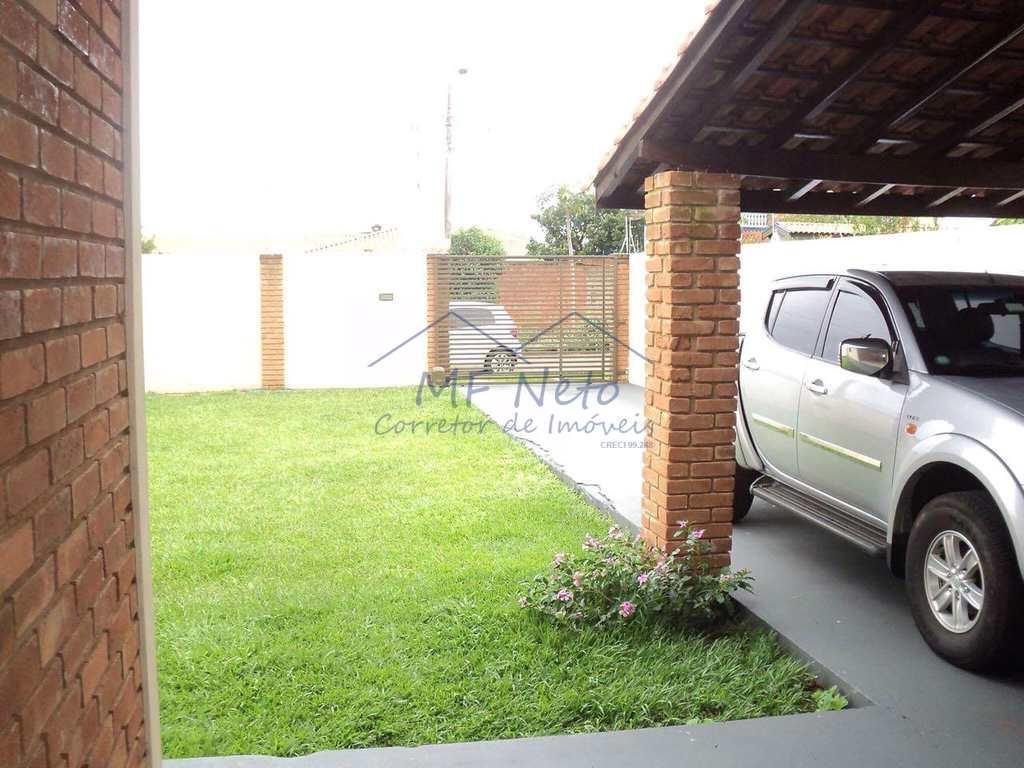 Casa em Pirassununga, no bairro Jardim Europa