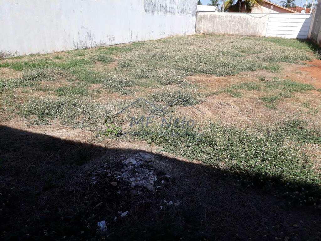 Terreno em Pirassununga, bairro Jardim São Fernando