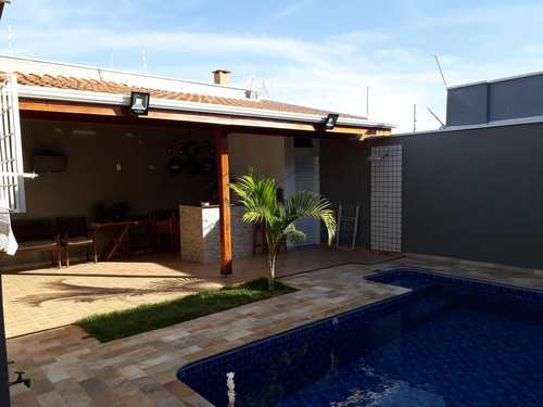 Casa, código 10131509 em Pirassununga, bairro Jardim Veneza