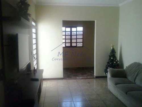 Casa, código 10131512 em Pirassununga, bairro Centro