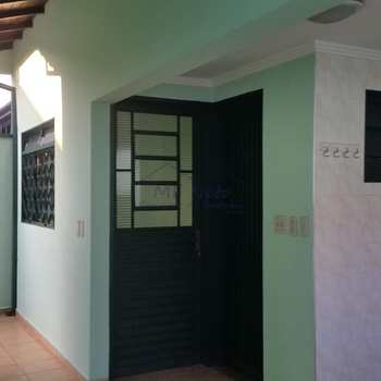 Casa em Pirassununga, bairro Parque dos Eucaliptos