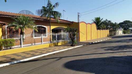 Casa, código 10131515 em Pirassununga, bairro Jardim Carlos Gomes