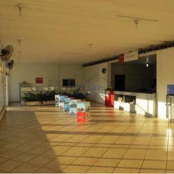 Prédio Comercial em Pirassununga, bairro Vila Belmiro